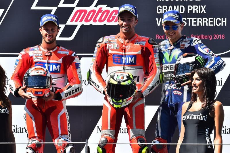Подиум Гран-При Австрии 2016: Довициозо, Ианноне, Лоренсо