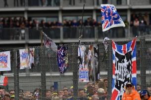 плакаты, Реддинг, фанаты 2016 12 GP UK 14181