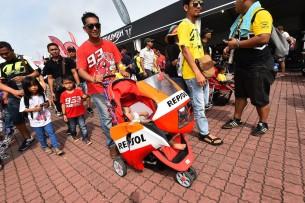 Болельщики Маркеса 2016 17 GP Malaysia 47271