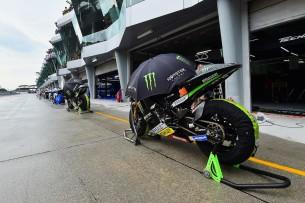 Мотоциклы MotoGP, пит-лейн, дождь 2016 17 GP Malaysia 47301