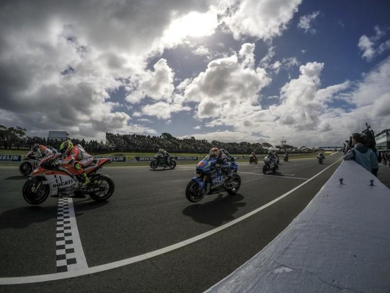 Старт гонки Гран-При Австралии 2016