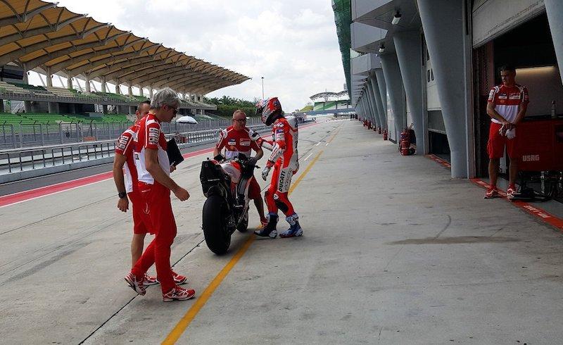 Кейси Стоунер, Ducati Desmosedici GP 2017 с черной коробкой