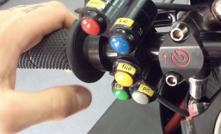 Руль, Desmosedici GP 2016, кнопки, переключатели