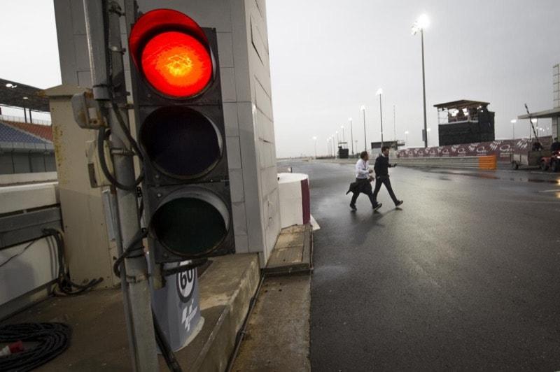 Катар, светофор, пит-лейн, фонарь