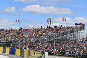 Ле-Ман, болельщики, трибуны   MotoGP Гран-При Франции 2017   2017 05 GP France 00438