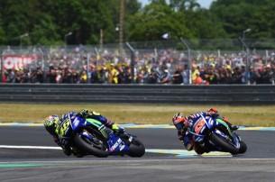 Росси, Виньялес   MotoGP Гран-При Франции 2017   2017 05 GP France 00482