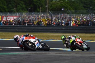 Довициозо, Крачлоу   MotoGP Гран-При Франции 2017   2017 05 GP France 00484