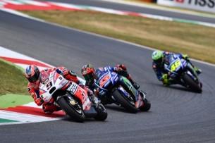 Петруччи, Виньялес, Росси | MotoGP Гран-При Италии 2017 |   00385