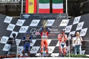 Подиум, Муджелло, Виньялес, Довициозо, Петруччи | MotoGP Гран-При Италии 2017 |   00407