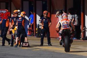 Маркес, пит-стоп   MotoGP Гран-При Каталонии 2017    00381