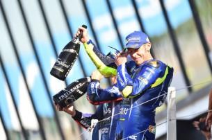 Росси, подиум   MotoGP Гран-При Великобритании 2017    00458