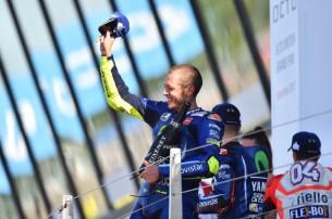 Росси, подиум   MotoGP Гран-При Великобритании 2017    00459