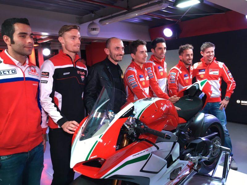 Довициозо, Лоренсо и другие пилоты Ducati (EICMA, 2017)