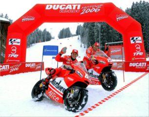 Капиросси и Жибернау на презентации Ducati Team 2006