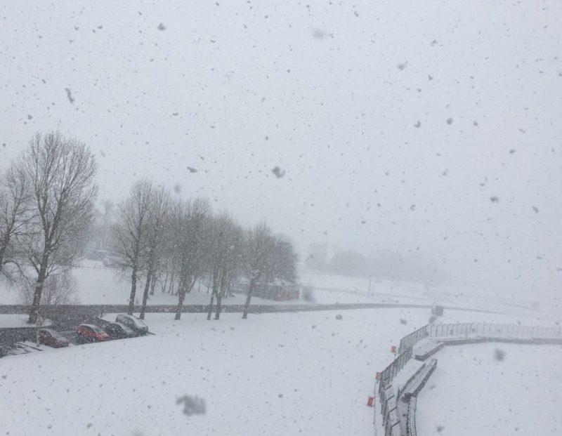 На треке Брэндс Хэтч выпал снег (февраль 2018)