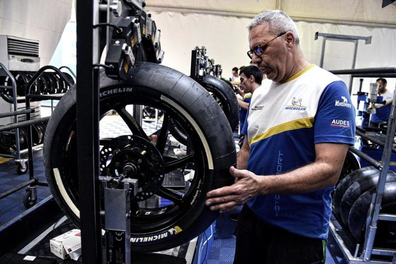 Монтаж шин Michelin (Лосаил, 2018)