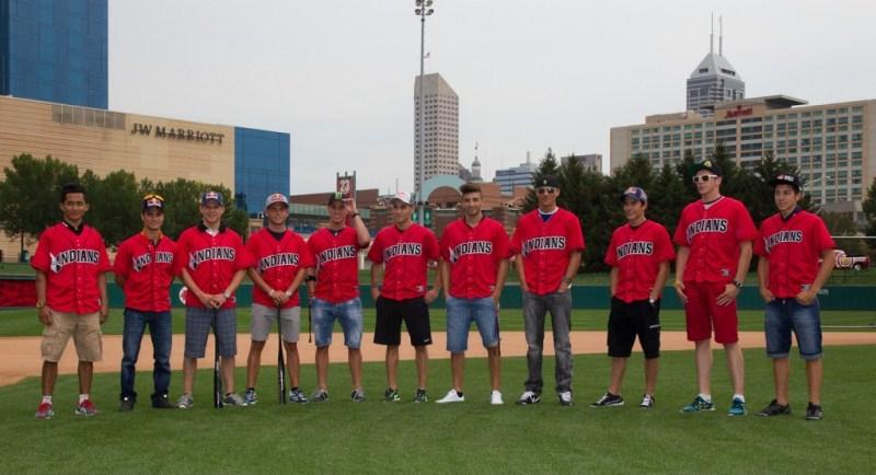 Педроса, Маркес, Виньялес, Эспаргаро и другие сыграли в бейсбол
