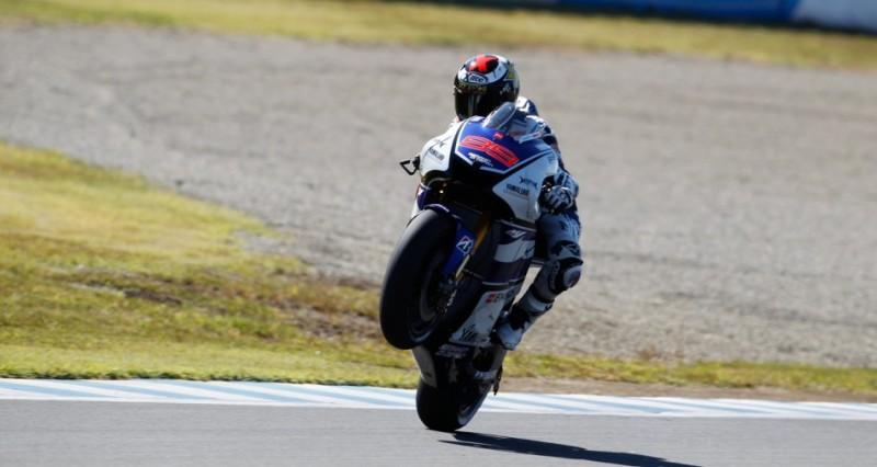 Гонщик Yamaha Factory Racing Хорхе Лоренцо