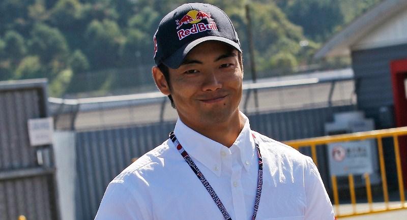 Хироши Аояма подписал контракт с Avintia Blusens на 2013 сезон.