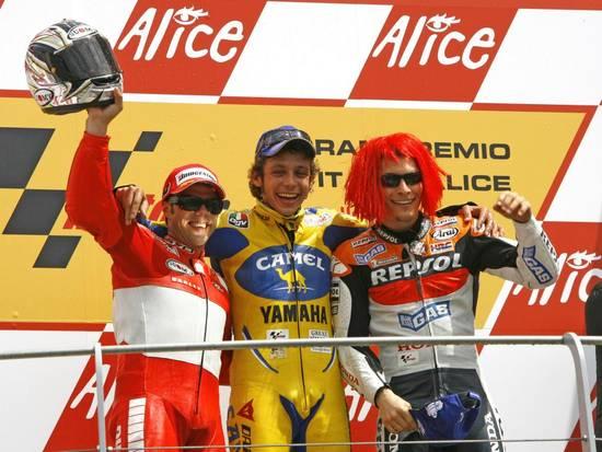 За несколько лет Муджелло успел стать площадкой для противостояния человека и машины - Росси против Ducati. Ну а болельщики выигрывали в любом случае