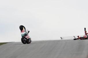Падение Алекса Де Анджелиса в гонке Гран-При Германии