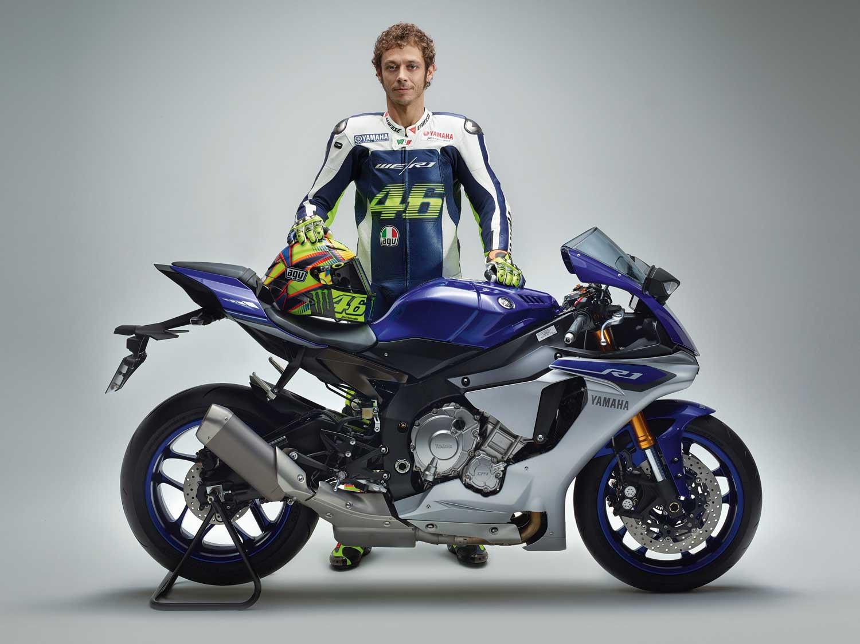 Валентино Росси и Yamaha-R1 (2015)