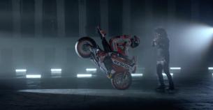 Скрипач Ара Маликян снялся вместе с пилотами Repsol Honda MotoGP Марком Маркесом и Дани Педросой