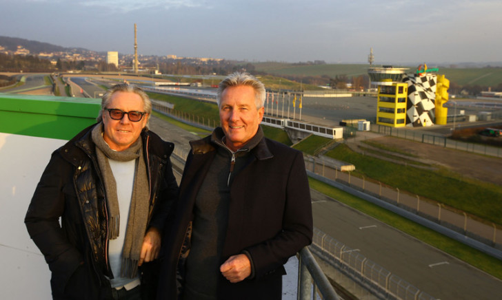Уэйн Гарднер и организатор GP Legends Ник Уигли