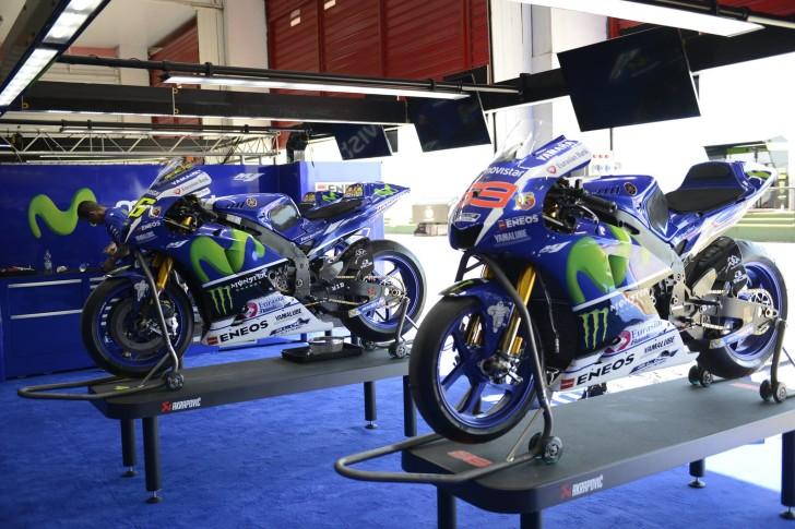 Yamaha YZR-M1 Росси и Лоренсо