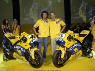 Росси и Эдвардс на презентации Camel Yamaha 2006