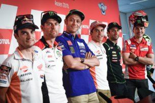 Гонщики MotoGP на пресс-конференции (Ассен, 2018)