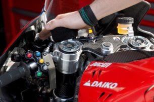 Манетка на руле Ducati Desmosedici GP19