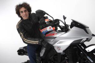 Алекс Ринс в седле Suzuki Katana
