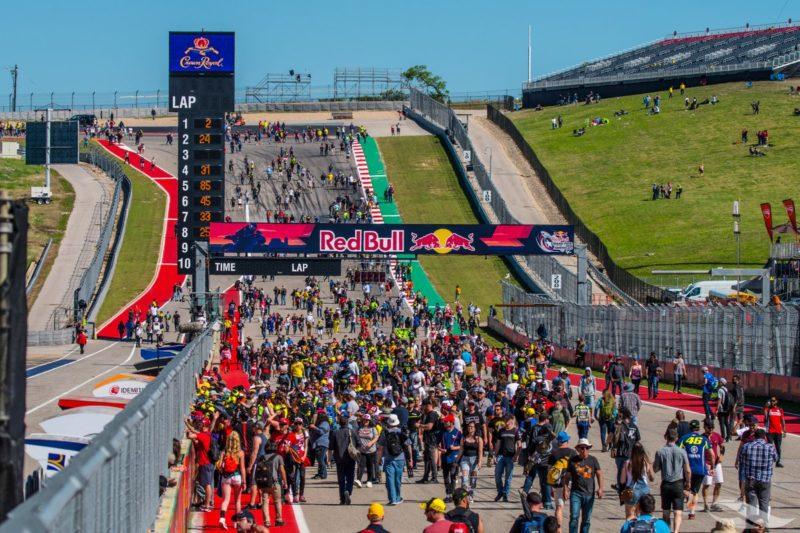 Первый поворот Circuit of the Americas теперь называется Big Red