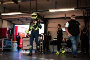 Росси готовится к 12-часовой гонке на Ferrari