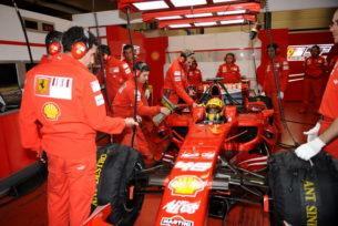 Росси и Ferrari, тесты на болиде 2008 года