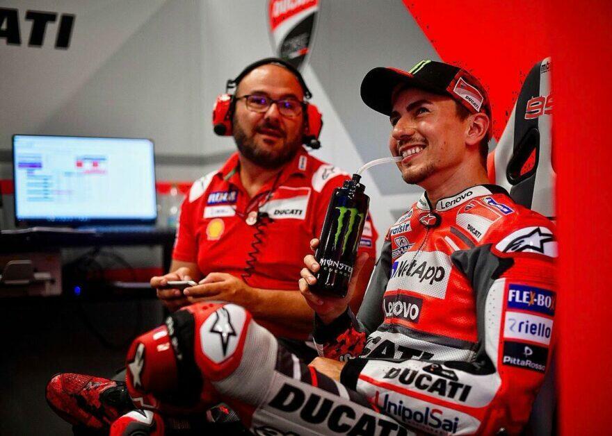 Экс-техник Ducati: Довициозо не объезжает проблемы, как Стоунер