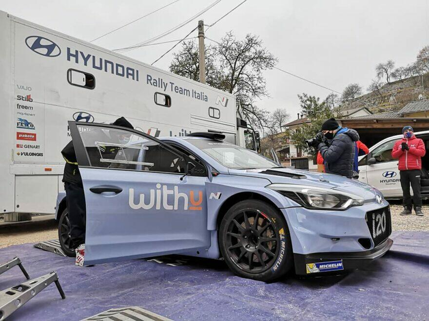 #фотоРалли: Морбиделли обживается в кабине Hyundai i20 R5