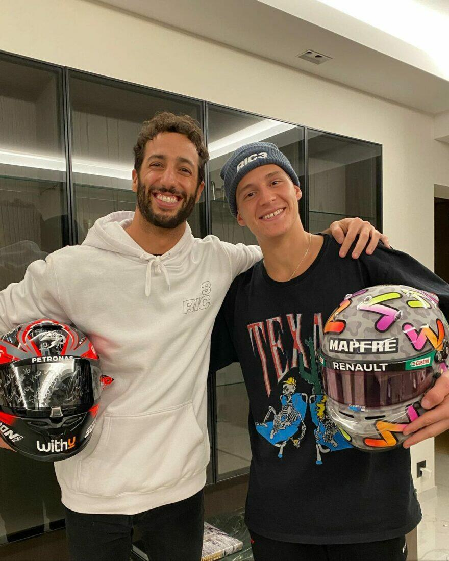 #фотоGP: каски для Даниэля Квартараро и Фабио Риккардо