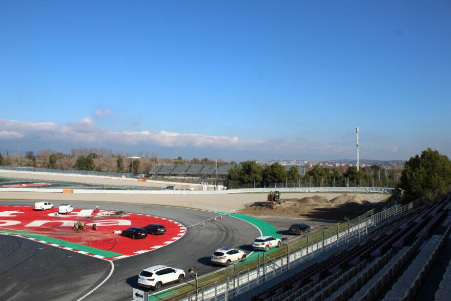 #фотоGP: Барселона-Каталунья перелопачивает 10 поворот