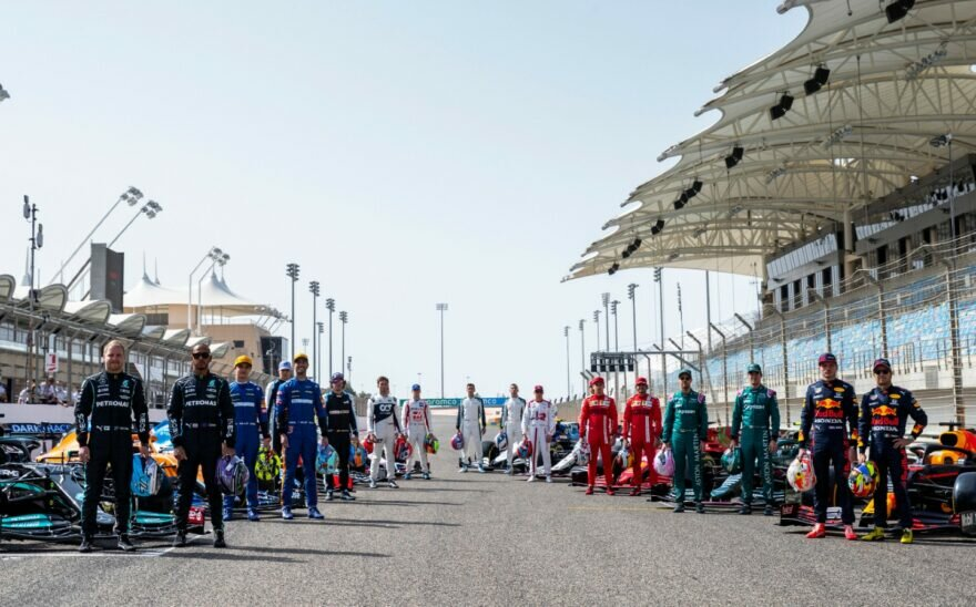 гонщики Ф1 2021