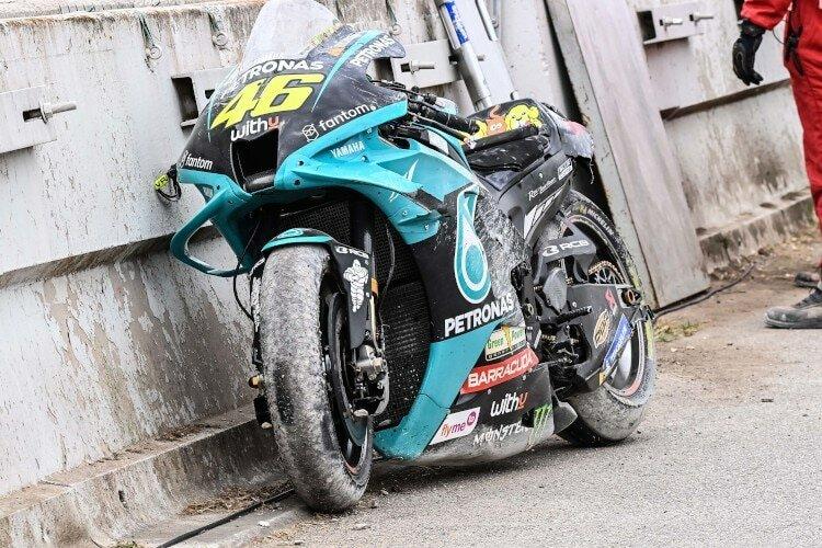 Разбившийся мотоцикл Росси